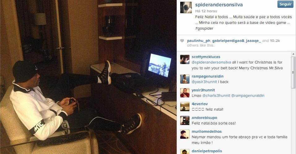 Anderson Silva passa véspera de Natal jogando videogame no quarto de seu hotel em Las Vegas