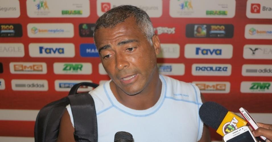 Romário criticou o novo Maracanã e disse que não considera mais o estádio sua casa