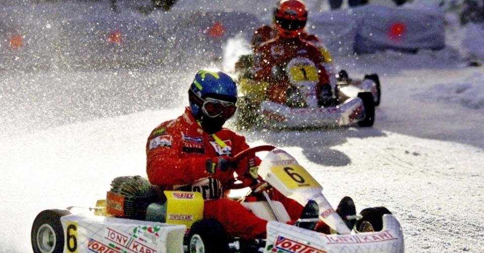 30. dez. 2013 - Schumacher em rally ao lado de Tommi Makkinen em 2001