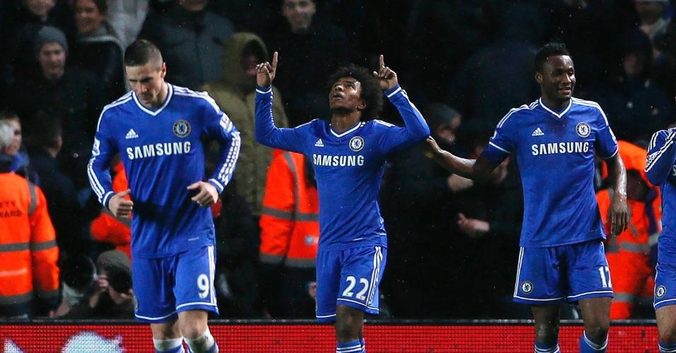 01.jan.2014 - Willian comemora o gol marcado pelo Chelsea, na partida contra o Southampton, pelo Campeonato Inglês