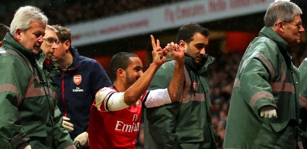 A lesão de Walcott foi sofrida no último sábado, na vitória por 2 a 0 sobre o rival Tottenham