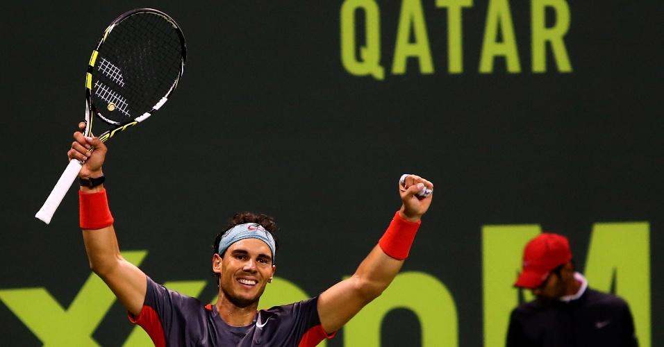 04.jan.2014 - Nadal celebra vitória na final do Torneio de Doha