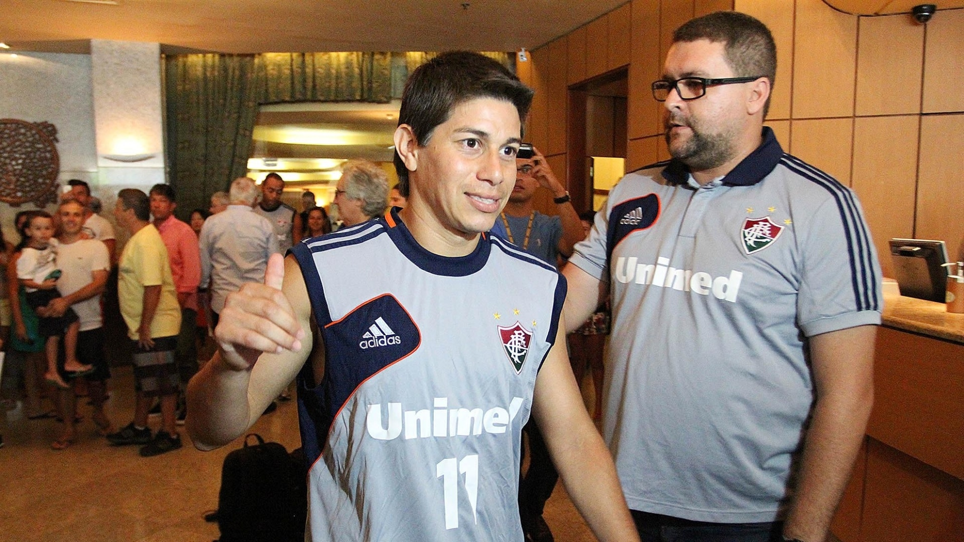08. ja. 2014 - Conca chega a hotel no Rio de Janeiro para apresentação de início de temporada pelo Fluminense