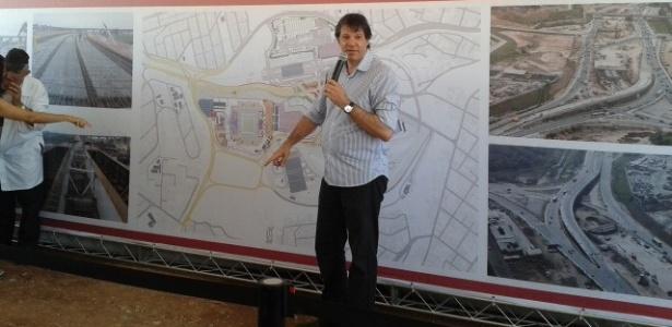 Prefeito de São Paulo, Fernando Haddad, visita a região do estádio do Corinthians em Itaquera