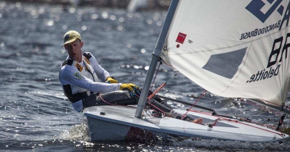 Detentor de cinco medalhas olímpicas, Robert Scheidt diz que situação da Baía de Guanabara é