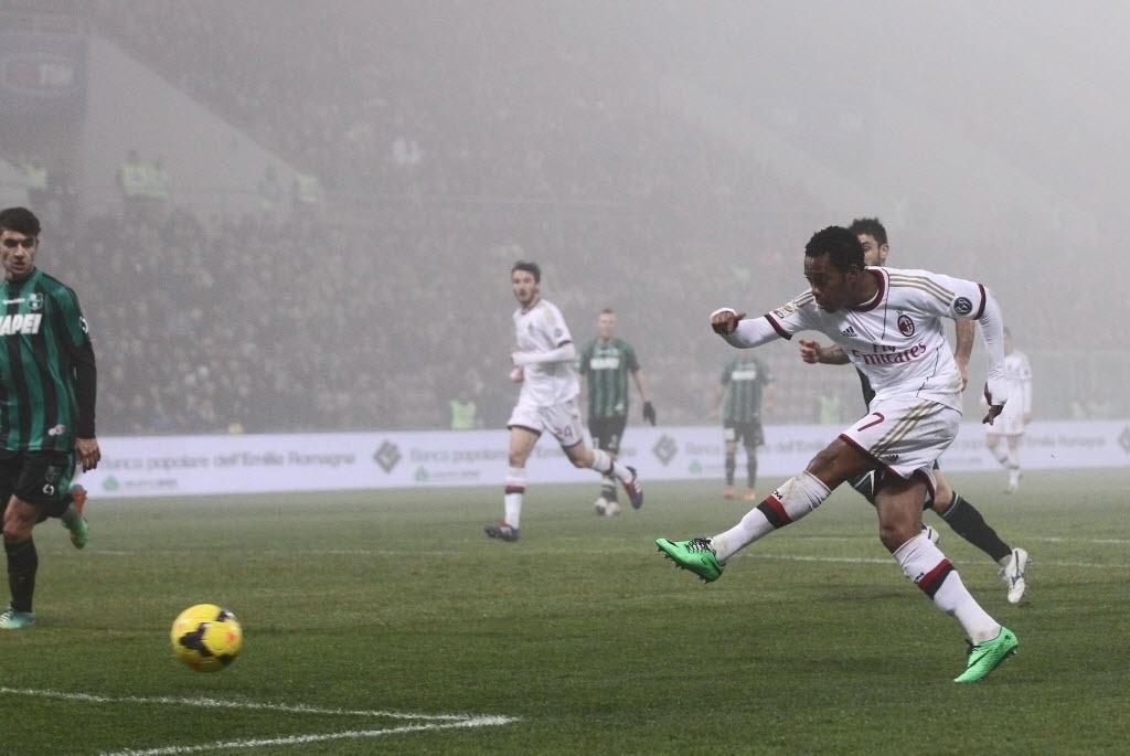 12. jan. 2013 - Robinho abre o placar para o Milan em partida contra o Sassuolo pelo Campeonato Italiano