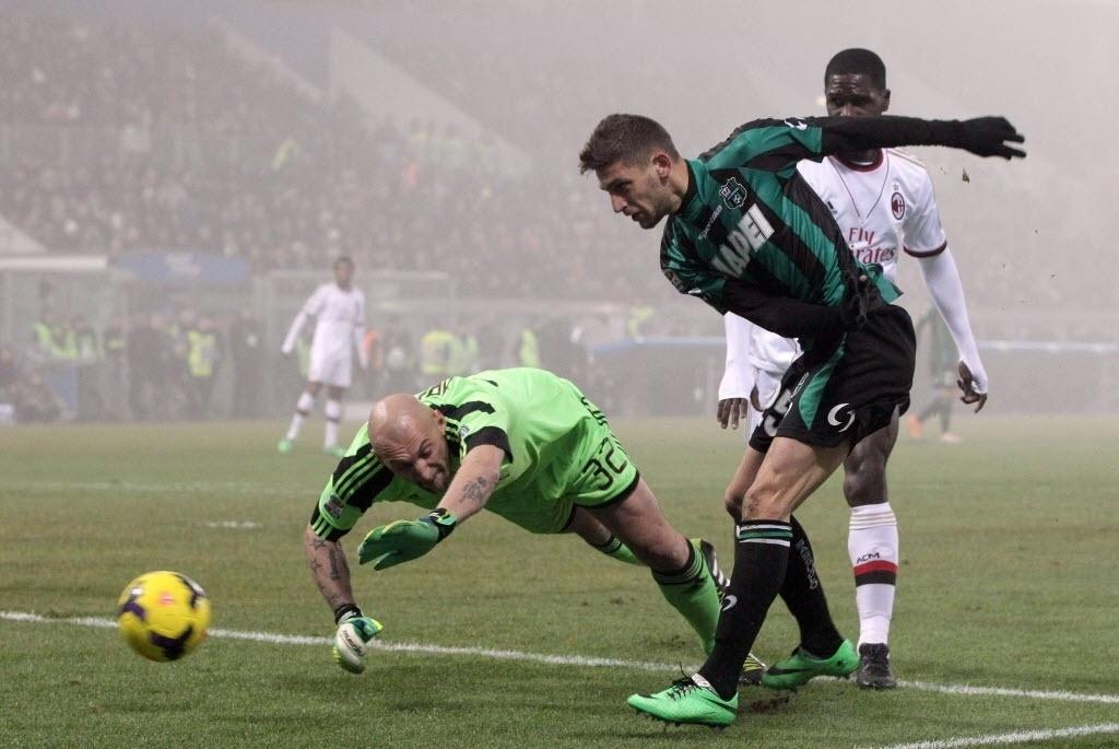 12. jan. 2014 - Domenico Berardi marca para o Sassuolo contra o Milan, pelo Campeonato Italiano