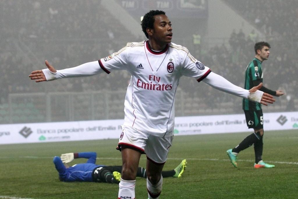 12. jan. 2014 - Robinho comemora após abrir o placar pelo Milan em partida contra o Sassuolo, pelo Campeonato Italiano