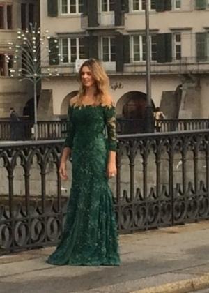 8cd1a340fd3 Fernanda Lima faz teste de vestido para a festa de entrega do prêmio Bola  de Ouro