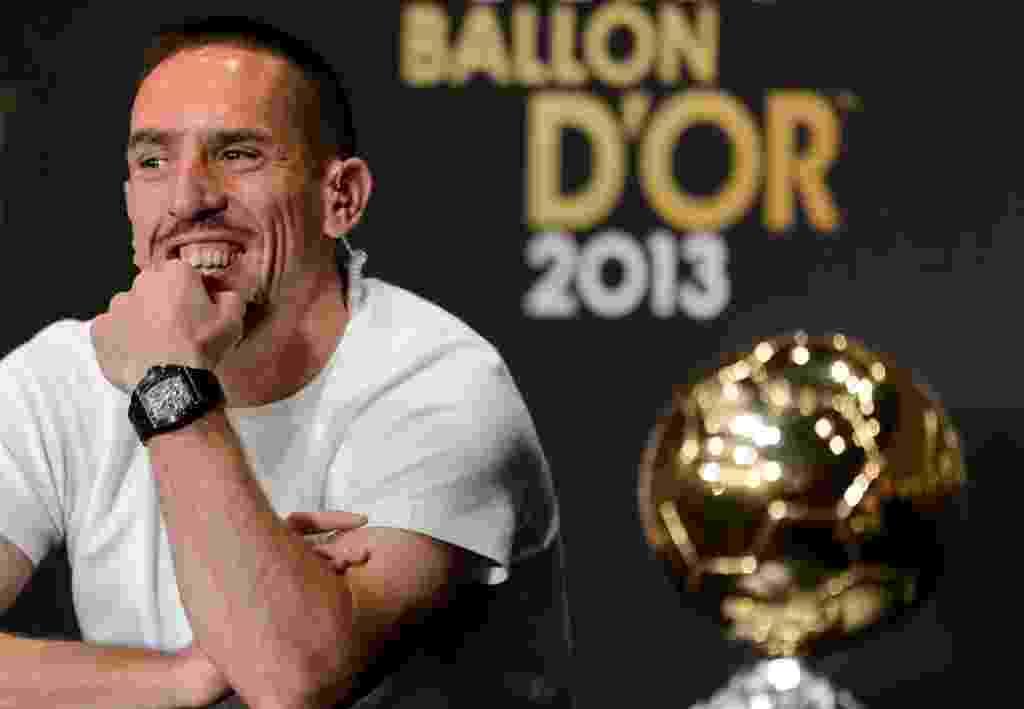 13.jan.2014 - Candidato ao prêmio de melhor do mundo da Fifa, Franck Ribéry participa de coletiva antes da premiação - AFP PHOTO / FABRICE COFFRINI
