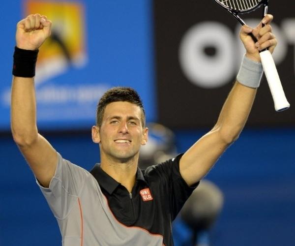 13.jan.2014 - Novak Djokovic comemora após vencer Lukas Lacko na primeira rodada do Aberto da Austrália