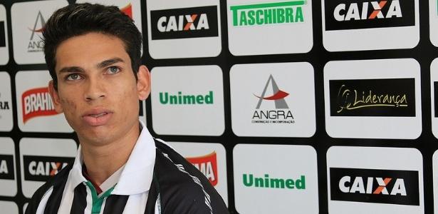 Ex-Bragantino, o atacante Dudu foi apresentado como reforço do Figueirense