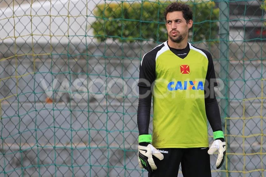 Vasco encara N. Iguaçu por liderança e sequência inédita em 4 anos -  09 02 2014 - UOL Esporte 748029f8469c6