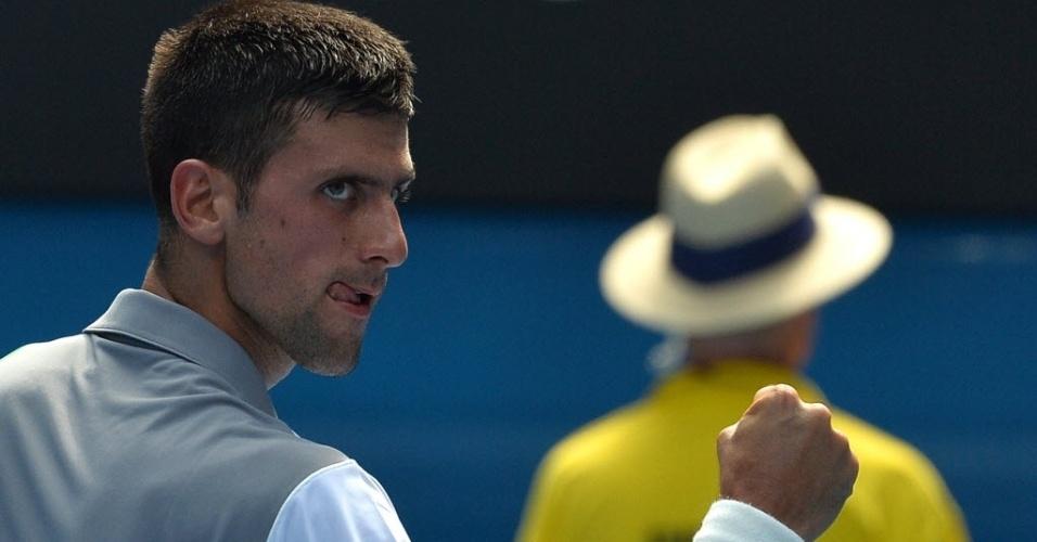 Djokovic comemora vitória contra argentino Meyer na segunda rodada do Aberto da Austrália
