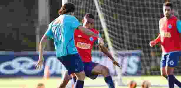 Zagueiro Wallace despediu-se do Cruzeiro e de seus torcedores após acertar sua transferência para o Braga - Washington Alves/Vipcomm