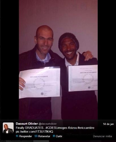 16. jan. 2014 - Zinedine Zidane se forma em gestão esportiva e exibe diploma no Twitter