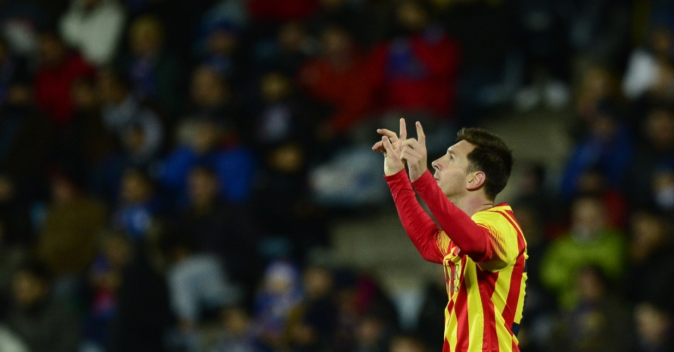 16.jan.2014 - Lionel Messi comemora gol de abertura do placar para o Barcelona contra o Getafe, pela Copa do Rei