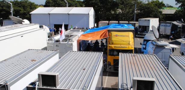 Emissoras de TV trabalham na cobertura de jogo da Copa das Confederações, no Mineirão, Belo Horizonte