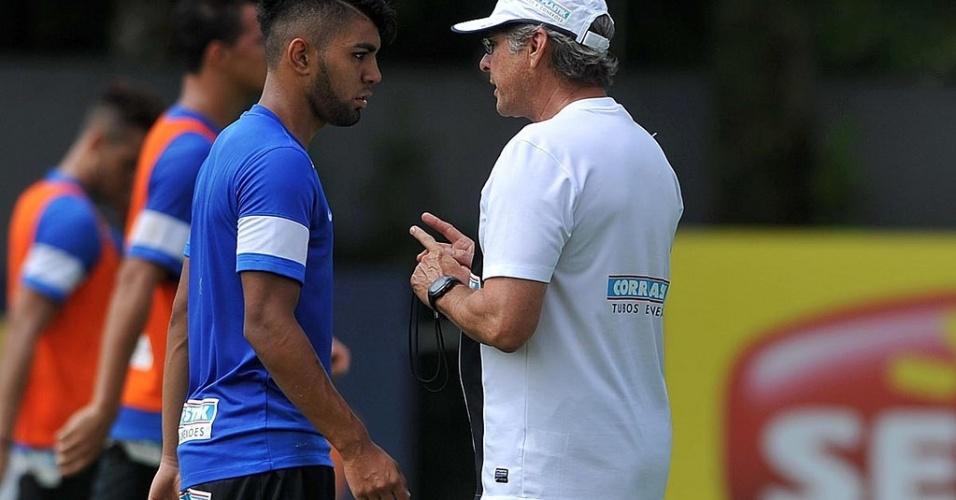 Oswaldo de Oliveira utilizará o jovem Gabriel Barbosa na vaga de Leandro Damião no ataque do Santos