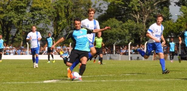Kleber Gladiador marcou dois gols no jogo-treino do Grêmio na temporada 2014