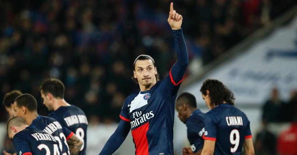 19.jan.2014 - Zlatan Ibrahimovic faz gesto após marcar o segundo gol do PSG contra o Nantes