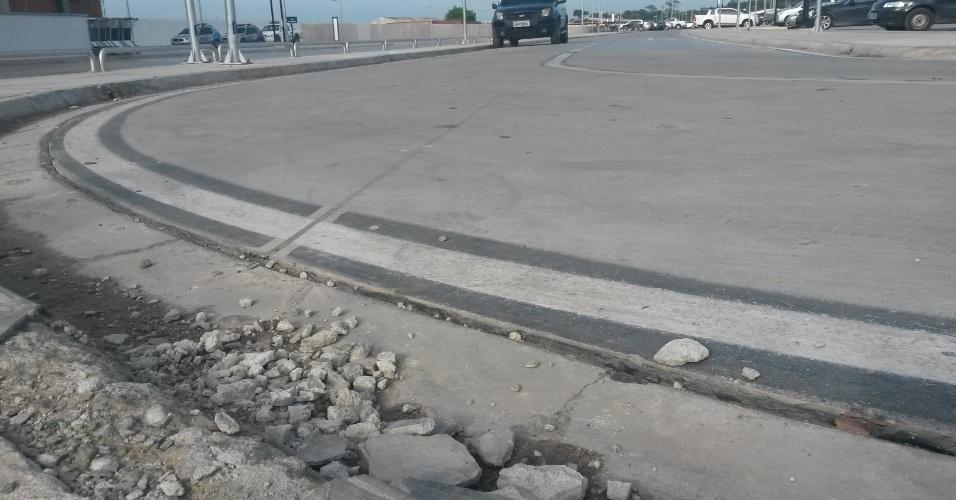 Calçadas do estacionamento do aeroporto de Manaus já precisa de reparos