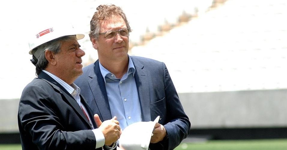 20. jan. 2014 - Secretário geral da Fifa, Jerome Valcke, visita o Itaquerão para ver como está o andamento das obras do estádio