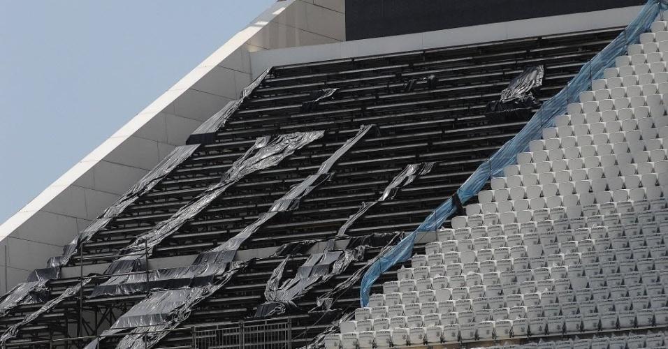 20. jan. 2014 - Vista da arquibancada do Itaquerão durante visita do secretário geral da Fifa, Jérôme Valcke