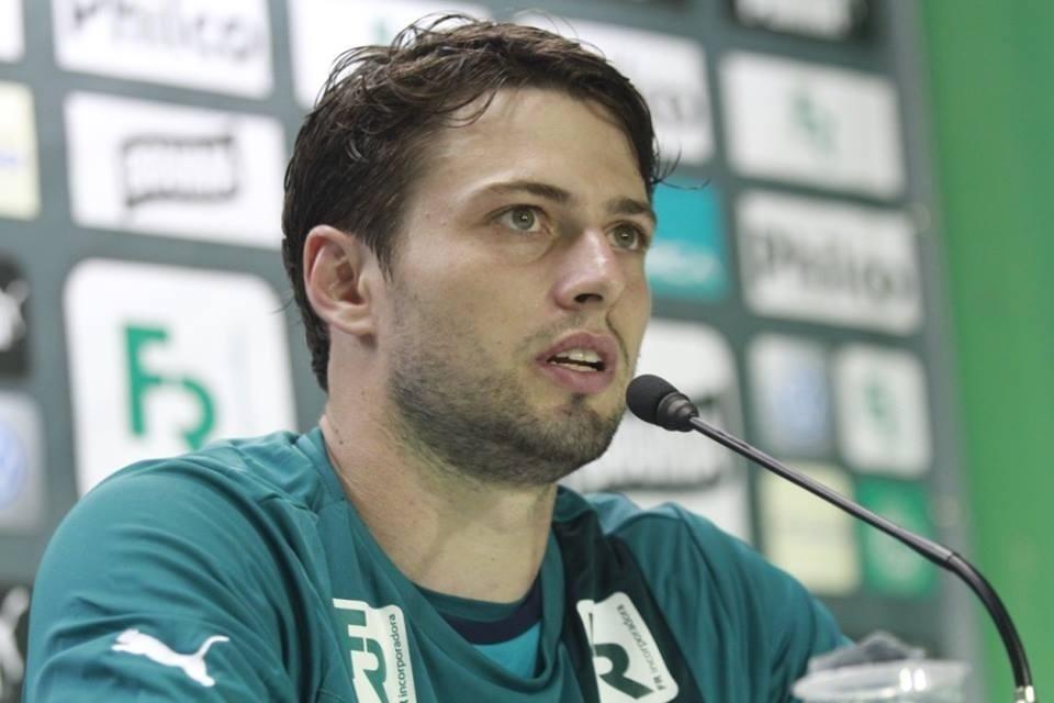 João Paulo é apresentado como reforço do Goiás (20/01/2014)