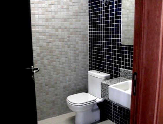 22.jan.2014 - Detalhe do banheiro da Arena das Dunas
