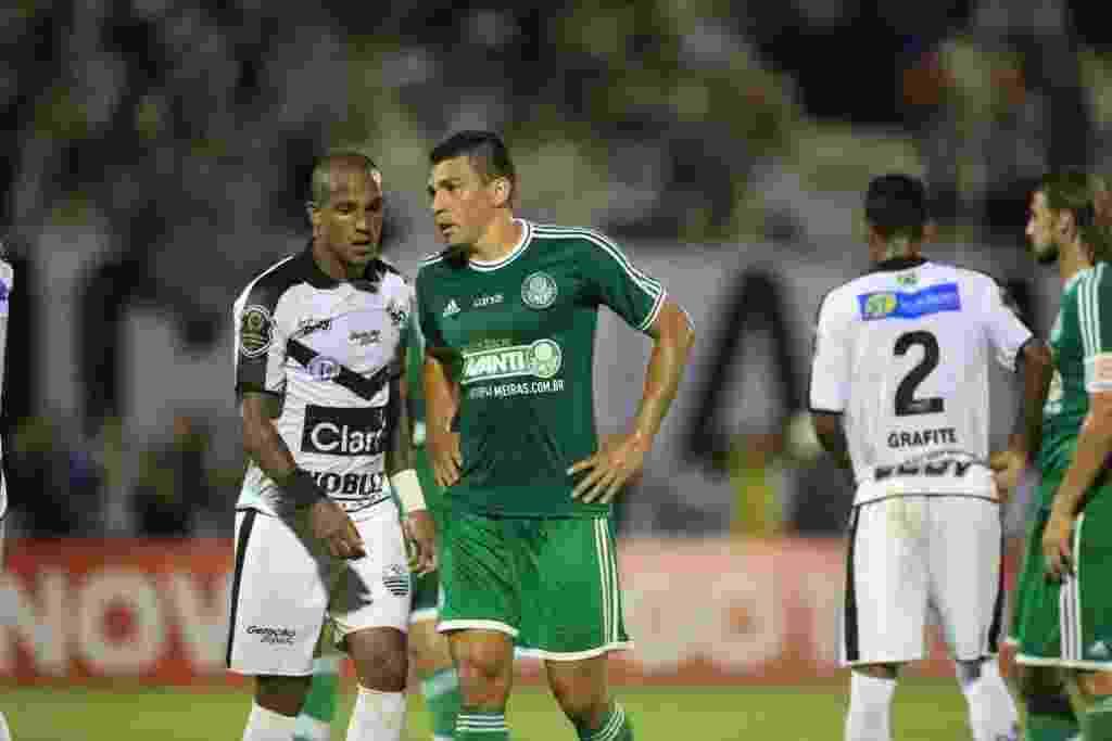 af7f4fae33 Camisa do centenário do Palmeiras com detalhes dourados é divulgada ...
