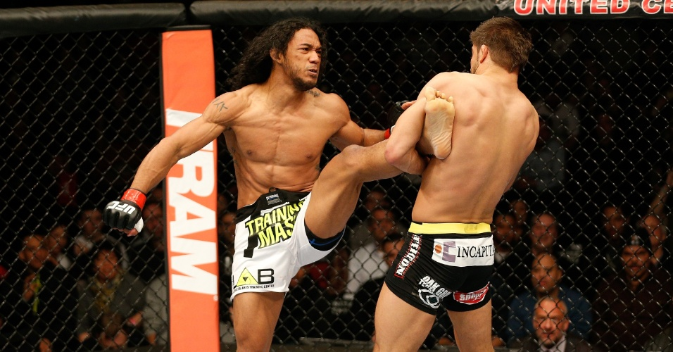 25.jan.2014 - Henderson tenta o chute e é segurado por Thomson no UFC on FOX 10