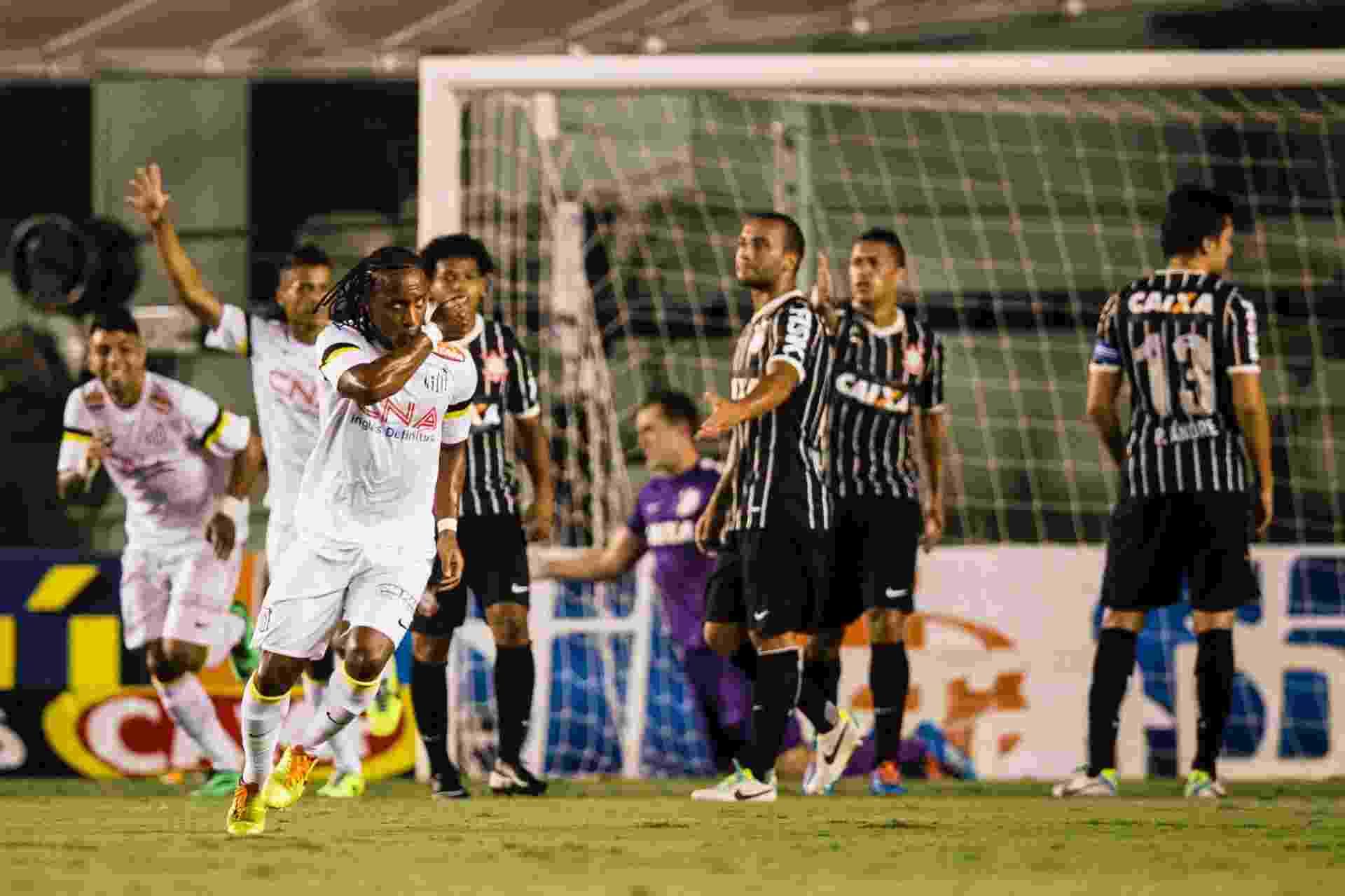 29.jan.2014 - Arouca comemora gol do Santos sobre o Corinthians pelo Paulistão - Adriano Vizoni/Folhapress, ESPORTES