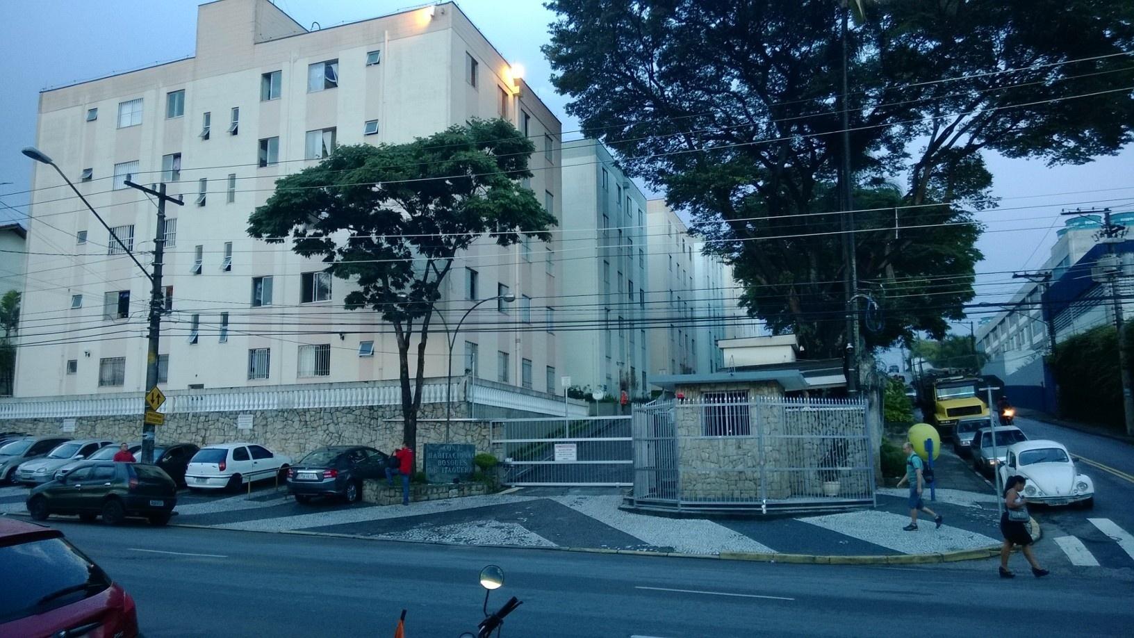 Um dos quatro imóveis que a família de Thiago Yuri pretende alugar para a Copa fica neste prédio, a 3,5 km do Arena Corinthians, em São Paulo (SP). Preço para 32 dias com serviços de motorista, camareira e tradutor incluídos é R$ 80 mil