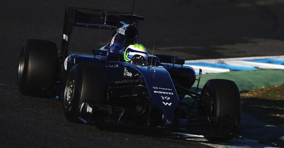 30.jan.2014 - Felipe Massa faz nesta quinta-feira seu primeiro contato com o carro da Williams na pista, após oito temporadas correndo pela Ferrari