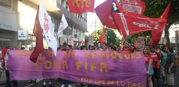 Manifestantes caminharam por ruas da zona norte e terminaram ato em frente ao Maracanã