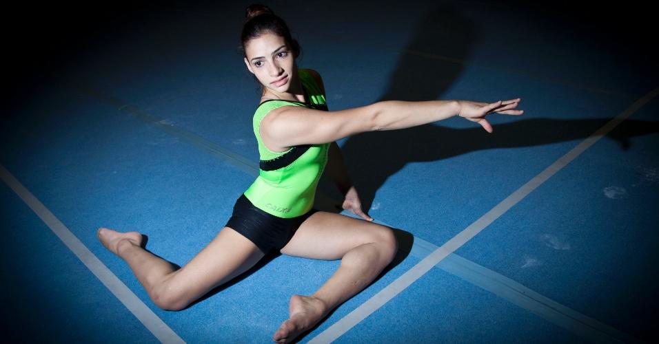 Lais Souza volta a treinar essa com a seleção brasileira de ginástica, em 2012