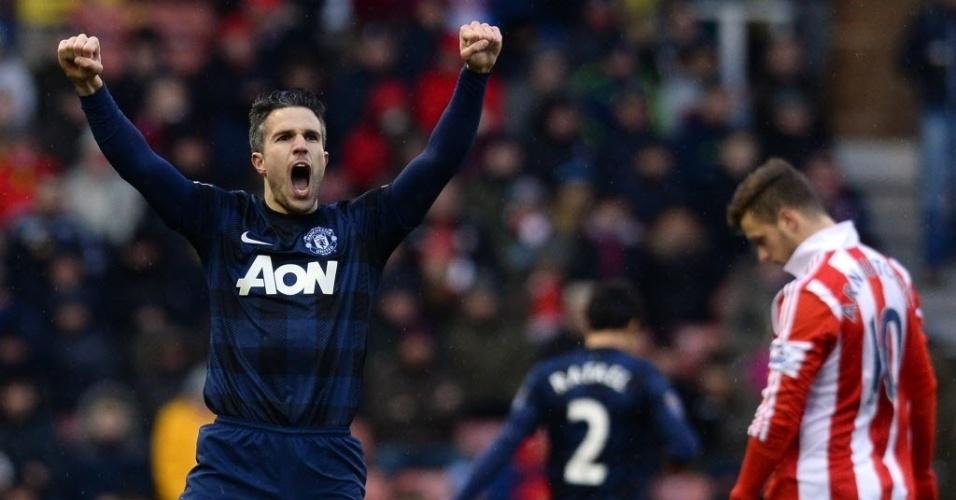 01.fev.2014 - Van Persie comemora após marcar para o Manchester United contra o Stoke City, pelo Campeonato Inglês. Mesmo com o gol, o United foi derrotado por 2 a 1
