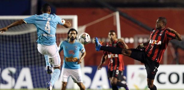 Marcelo Cirino voltou a treinar no Atlético, mas ainda não pode ser considerado reforço - REUTERS/Rodolfo Buhrer