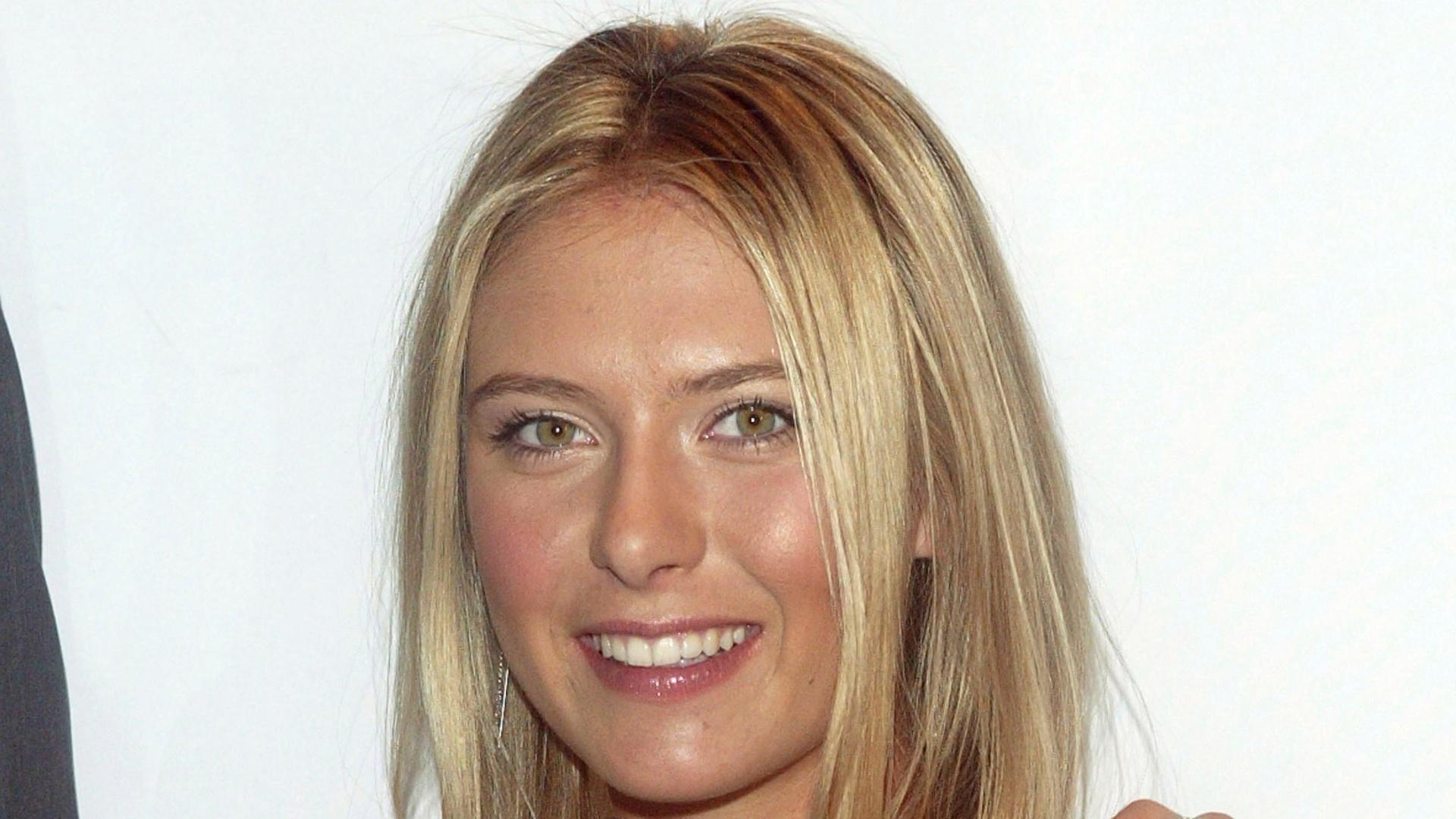 A tenista também fez propaganda para os relógios da TAG Heuer, também na lista dos mais caros do mundo; a imagem é de 2005