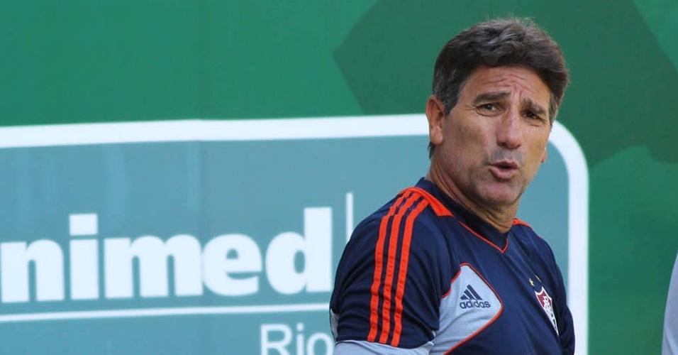 24 jan. 2014 - Renato Gaúcho antes de comandar treinamento do Fluminense