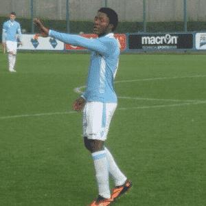 Joseph Minala, meia de 17 anos da Lazio - Reprodução/Twitter/@MarieMbjm