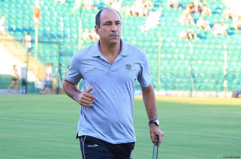 Vinicius Eutrópio, técnico do Figueirense