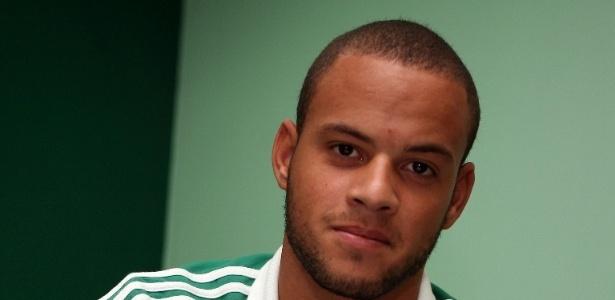 Bruninho assina contrato de quatro anos com o Palmeiras