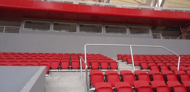 Novas cabines e bancadas de imprensa atrapalham visão de cadeiras na arquibancada superior