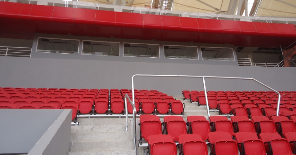 Cabines de imprensa e cadeiras do novo Beira-Rio