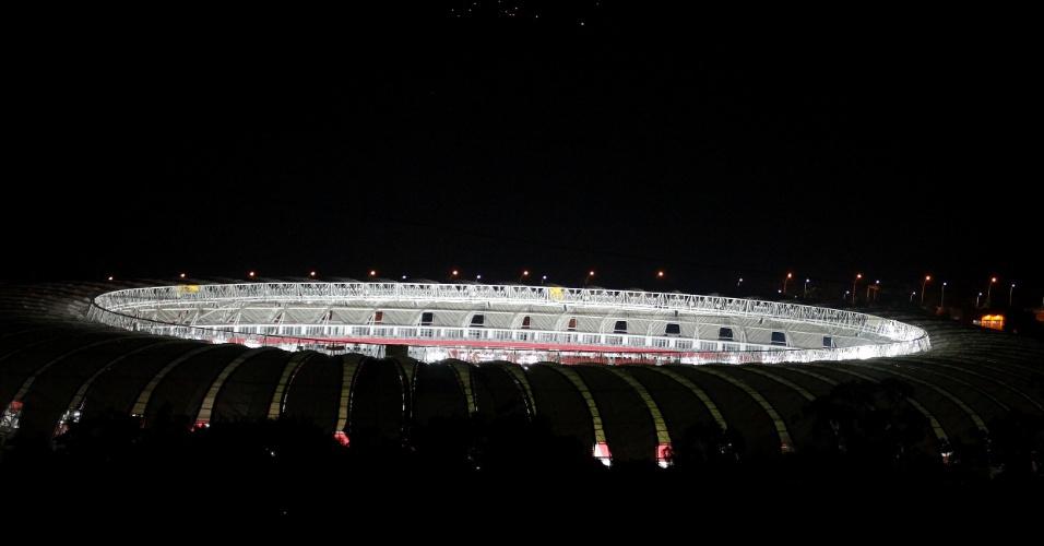 Segundo dia de teste de iluminação, com 100% de capacidade, no novo Beira-Rio