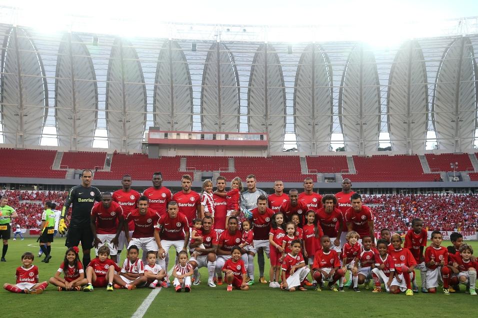 15.fev.2014 - Internacional inaugura novo Beira-Rio em partida contra o Caxias, pelo Campeonato Gaúcho