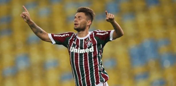 73d4409790 Cristóvão reabilita dupla esquecida por Renato e tem 1º sucesso no Flu -  17 04 2014 - UOL Esporte