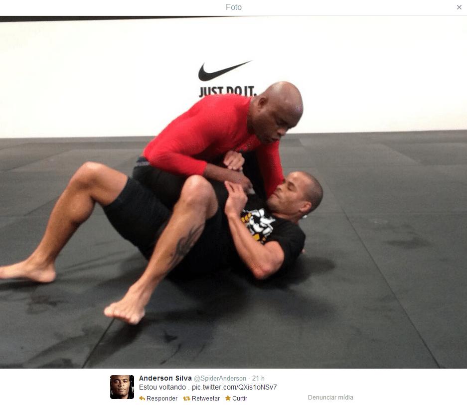 Anderson Silva posta foto de treino no Twitter e avisa: